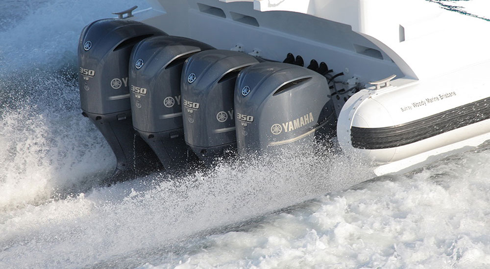 Hydraulic boat steering with HyDrive